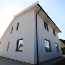 Parduodamas modernus namas